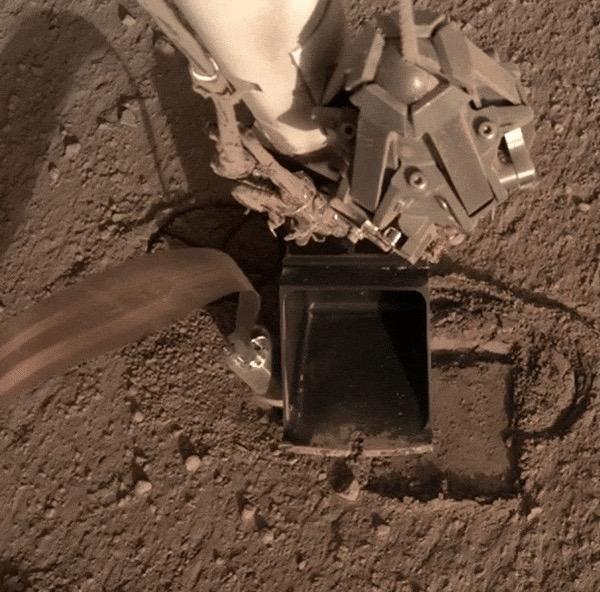 مشکل در کاوشگر حرارتی مریخ نشین InSight